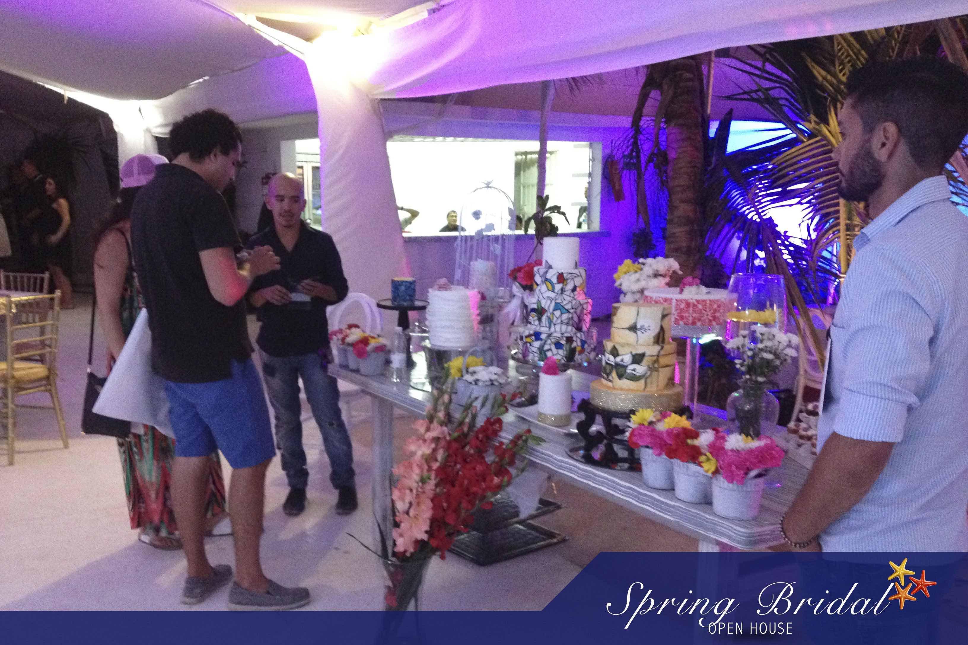 Las parejas pudieron conocer directamente a los proveedores en el Spring-Bridal-2015